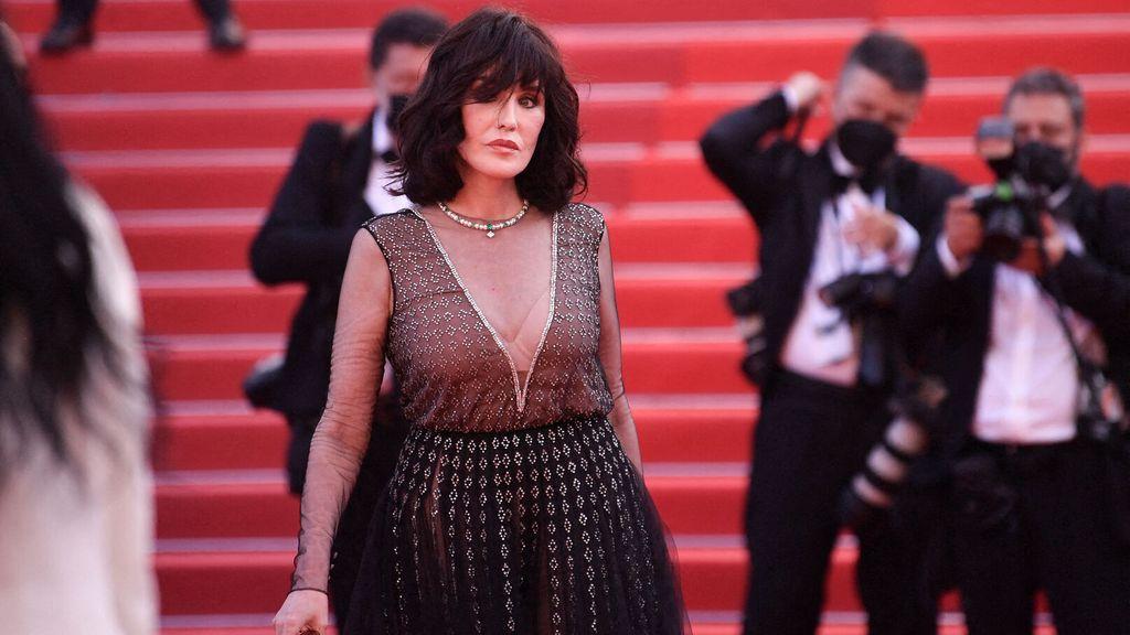 Isabelle Adjani sur le tapis rouge à Cannes
